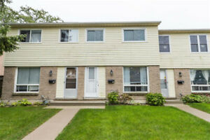 Excellent 3 bedroom townhouse Available Dec. 1/19