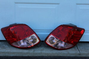 2003 2004 2005 Toyota Matrix Tail Lights