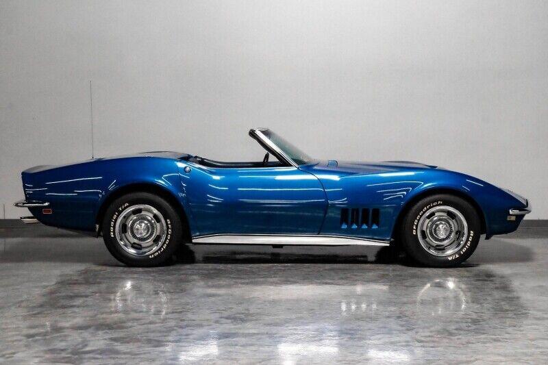 1968 Blue Chevrolet Corvette     C3 Corvette Photo 8