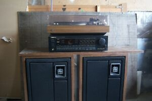 RECORD PLAYER -STEREO
