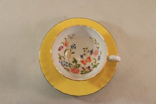 AYNSLEY Bone China YELLOW COTTAGE Garden Tea CUP & SAUCER England - PRETTY!!