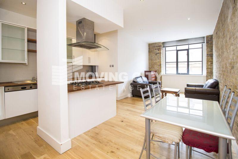 2 bedroom flat in Saxon House, Aldgate East, E1