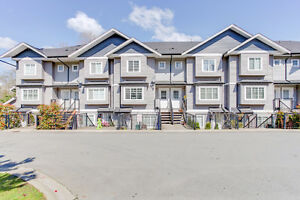 Well Kept Townhome In Fraserview Terrace