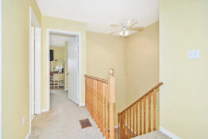 Bright And Spacious 3 Bedroom Townhouse, With Large Walk-In Clos