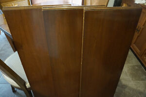 """""""New Price"""" Antique Dining Table with 4 Chairs London Ontario image 2"""