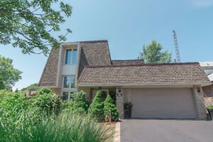 OPEN HOUSE SUNDAY 2-4PM - GORGEOUSLY APPOINTED BURLINGTON HOME