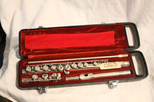 FLUTES!! ALL BRANDS WITH CASE!!