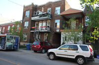 Renovee, 2 etages, metro St Henri, immediate