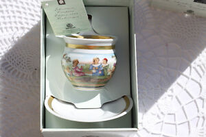 COLLECTIBLE WEIMAR PORCELAIN TEACUP AND SAUCER Strathcona County Edmonton Area image 5