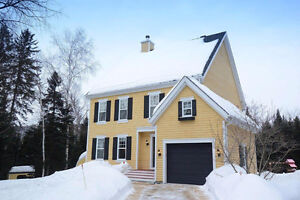 Superbe maison de style Nouvelle-Angleterre à Morin-Heights