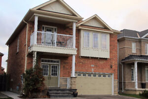 Detached Luxurious Home in much Desired area of Brampton