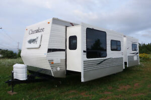 ***2008 Cherokee 30F by Forest River***