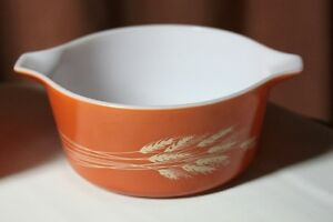 "Pyrex Casserole Pattern ""Autumn Harvest"" 1.5lt size vintage Kingston Kingston Area image 1"