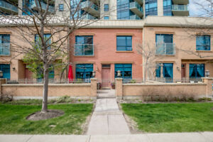Beautiful 2 Bed and Den Waterfront Townhome