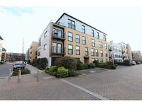 3 bedroom flat in Hitchin Lane, Stanmore, HA7