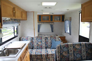 Citation Lite Travel Trailer - 26 ft. - Beautiful Cond.