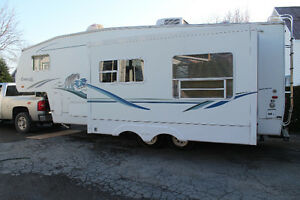 Fifth wheel Cougar by Keystone 27.8 pieds - Extension double