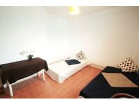 FABULOUS TWIN ROOM AVAIL. IN CAMDEN TOWN !! 28i