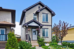Modern detached home for sale in Alberta Park