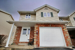 **NEW PRICE! UPDATED END UNIT TOWNHOUSE W/LAKE ACCESS!!**