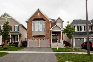 Gorgeous 4 Bedroom House In Oshawa For Rent
