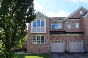 4BR Semi Detached House For Sale in Richmond Hill