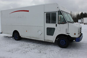 2012 FOOD TRUCK WITH ONLY 81,000KM!