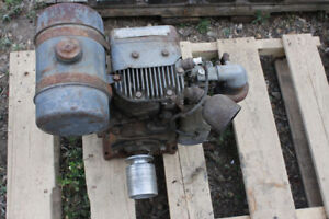 Antique Wisconsin Air cooled gas motor