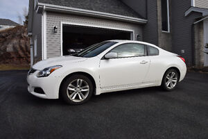 2010 Nissan Altima Coupe (2 door)