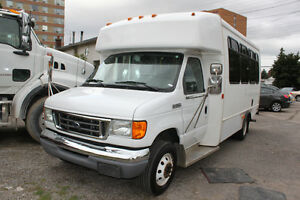 2006 Ford E-350 Minibus SEATS , WHEELCHAIR ACCESSIBLE WITH RAMP