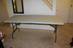 Good multi functional table Oakville / Halton Region Toronto (GTA) image 2
