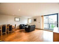 Stunning one bedroom flat in a riverside development in E14 with concierge and gym LT REF: 4555149