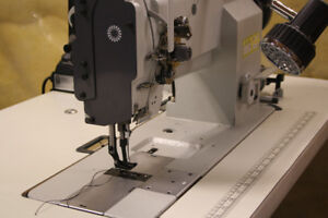 INDUSTRIAL SEWING MACHINE / UPHOLSTERY