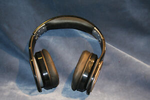PSB M4U 2 Noise cancelling stereo Headphones