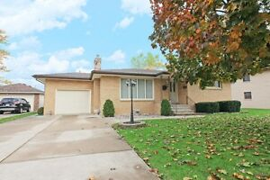 #350 Military, Amherstburg. Open House Sun., Dec. 11 1-3pm. Windsor Region Ontario image 1