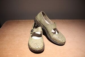 Rieker Antistress MaryJane Olive Green Shoe (never worn)