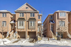 Very Bright End Unit Townhouse Like Semi Detached