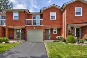 RENOVATED HEADON FOREST TOWN HOME ~ BURLINGTON!