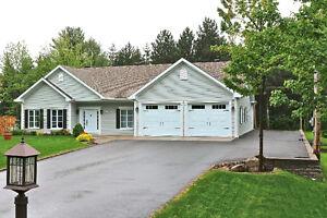 Maison plain-pied incluant garage