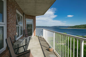 GLORIOUS VIEWS OF BEDFORD BASIN EXTRA PRIVATE UNIT