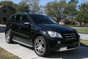 """2010 mercedes ML63 AMG Package """"LOW km"""