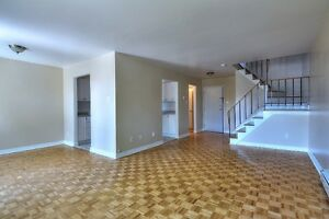 *** Beautiful, Spacious 4 1/2 Townhouse in DDO, avail. NOW!!!