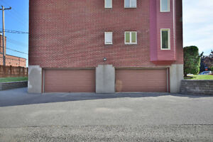 WHY RENT WHEN YOU CAN OWN FOR SAME OR LESS  INT GARAGE INCLUDED West Island Greater Montréal image 8