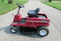 LAWN TRACTOR BY MTD