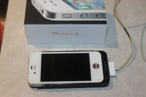 Unlocked 32G iphone 4 with charger case backup battery