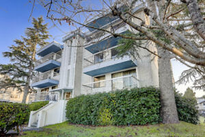 Richmond 2 BR Condo For Sale By Owner