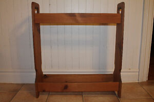 BLANKET HOLDER - SOLID PINE - RUSTIC PINE