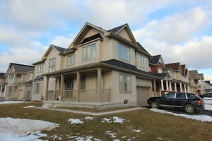 New 4 bdrm detached corner home for rent - Niagara Falls