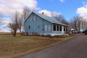 grand cottage avec garage sur 3 acres de terrain 514-953-9071