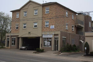 4 ROOM SUBLET CLOSE TO LAURIER